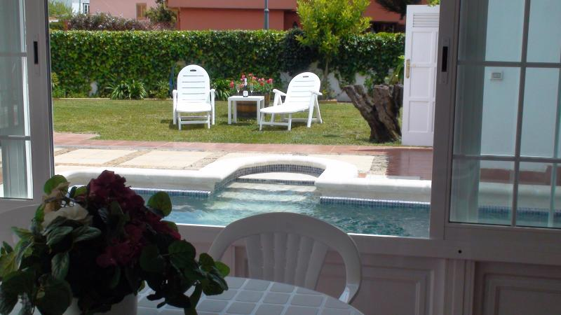 Piscina (swimming pool)