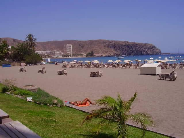 Nearest Beach: Playa de Los Cristianos (5 minutes walk)