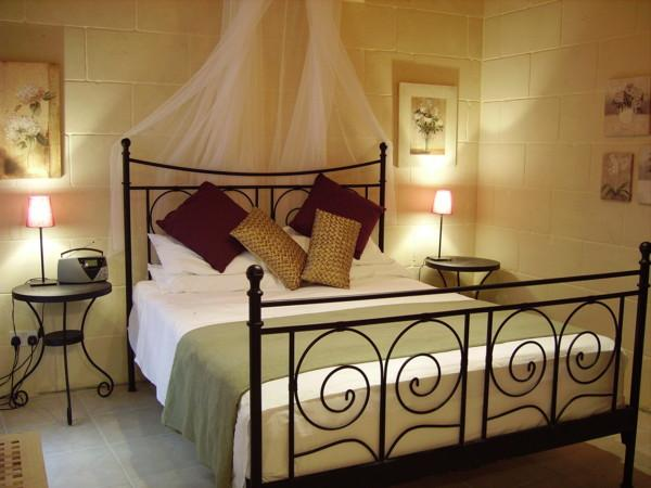romantically decorated bedrooms