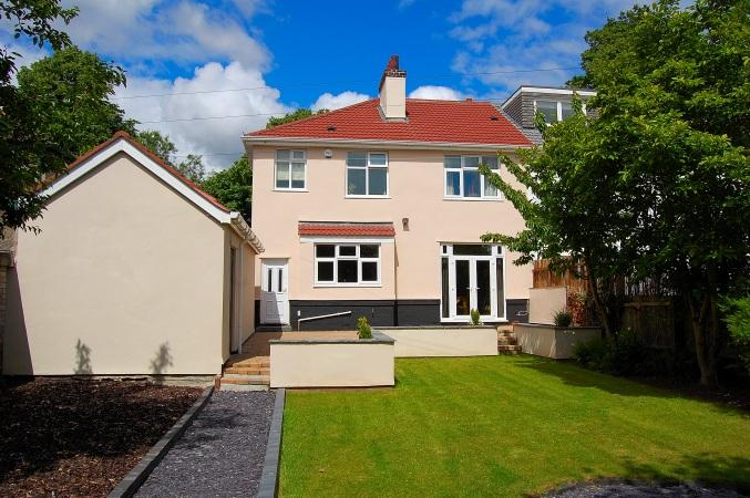 Luxury holiday home in Mossley Hill, Liverpool close to the beautiful Calderstones Park