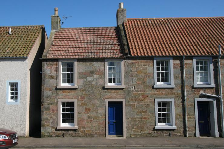The cottage dates back to the 18th Century.