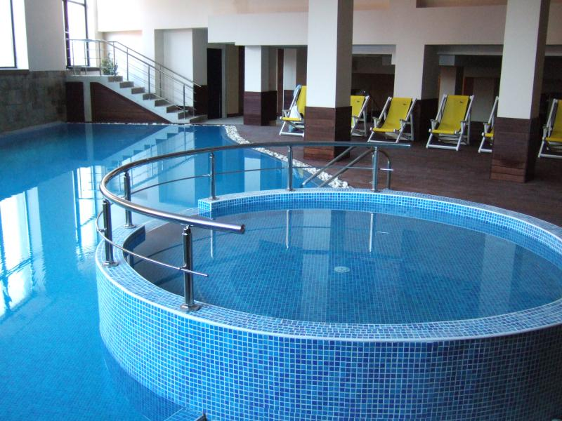 indoor pool and kids pool in the large spa area