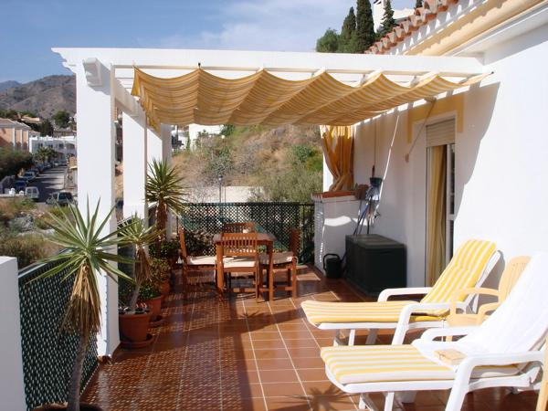 Nerja .Burriana 5 mins. Penthouse. Enormous terrace, mountain views behind & sea views in front