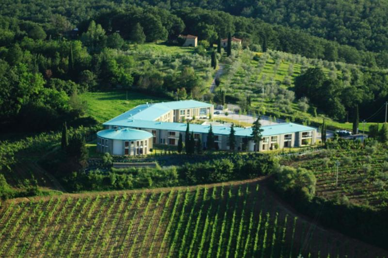 Chianti Village Resort, a fascinating and spectacular property shaped like a horseshoe.