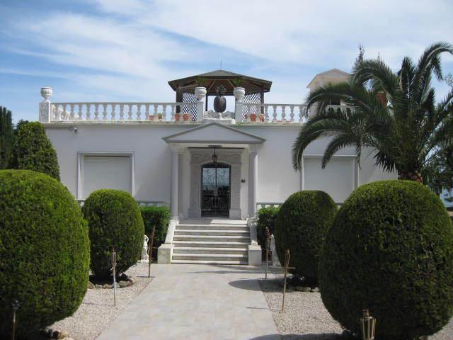 Entrance and villa