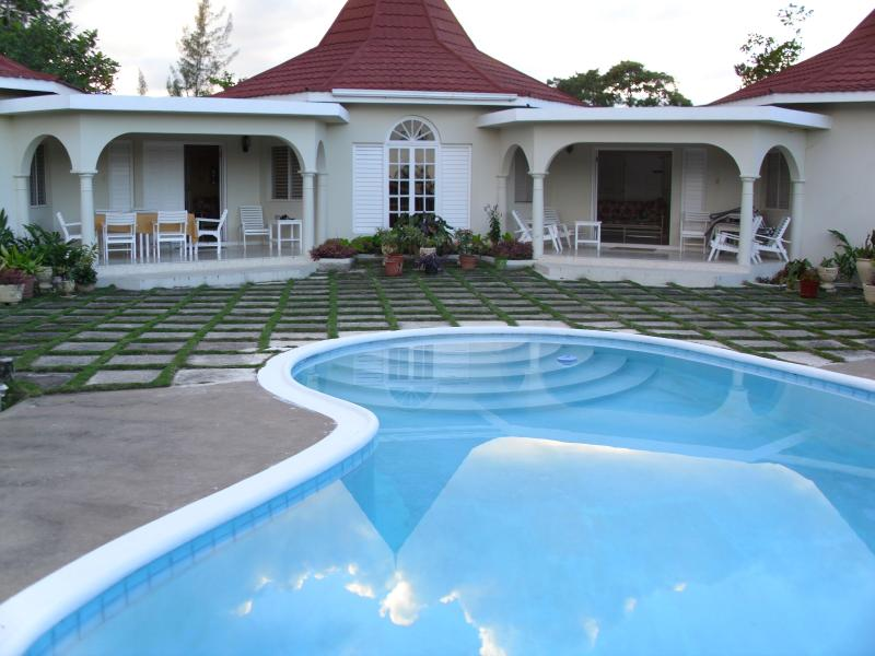 Very Affordable Villa with private pool in Runaway Bay Jamaica