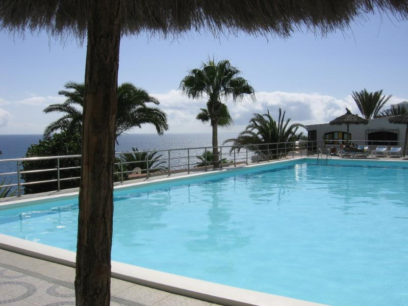 The quiet pool area with fantastic sea views