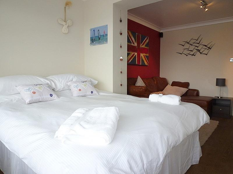 Double or Twin bedroom with wetroom on ground floor and with views over the marina