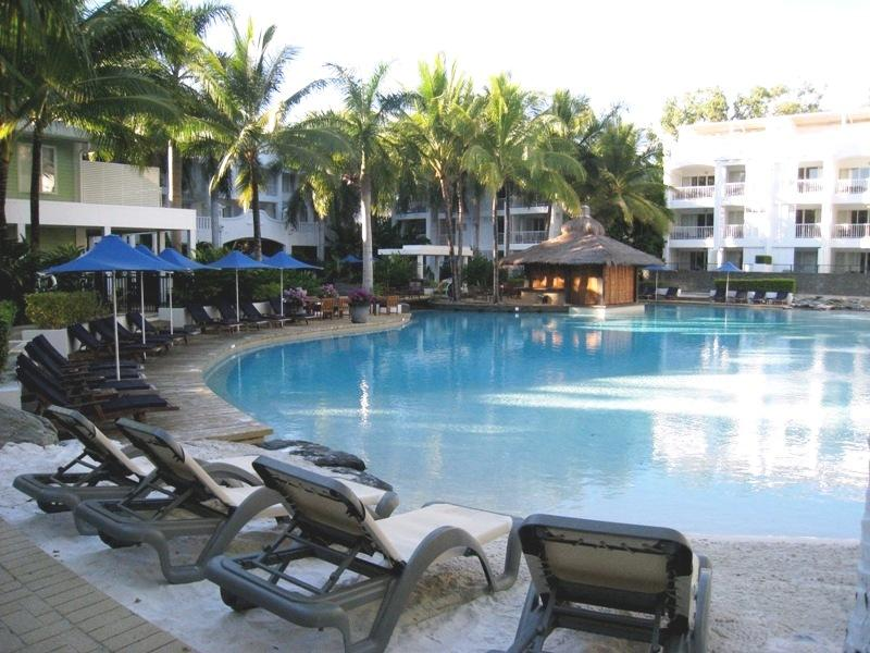 Lagoon Pool and Swim up bar