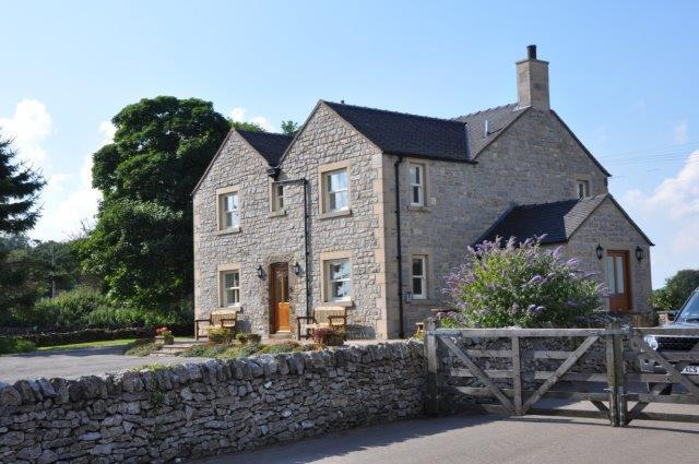 Endmoor House - Large enclosed garden with seating, lawn and plenty parking