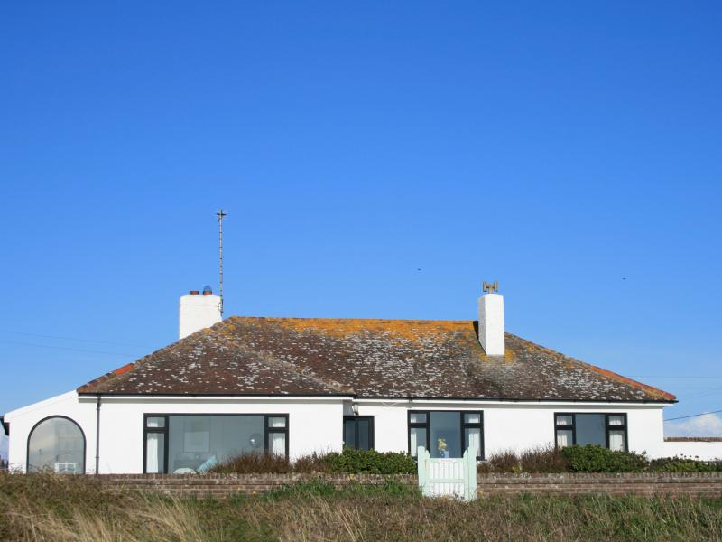 Faraway is a wonderful holiday cottage with beautiful sea views