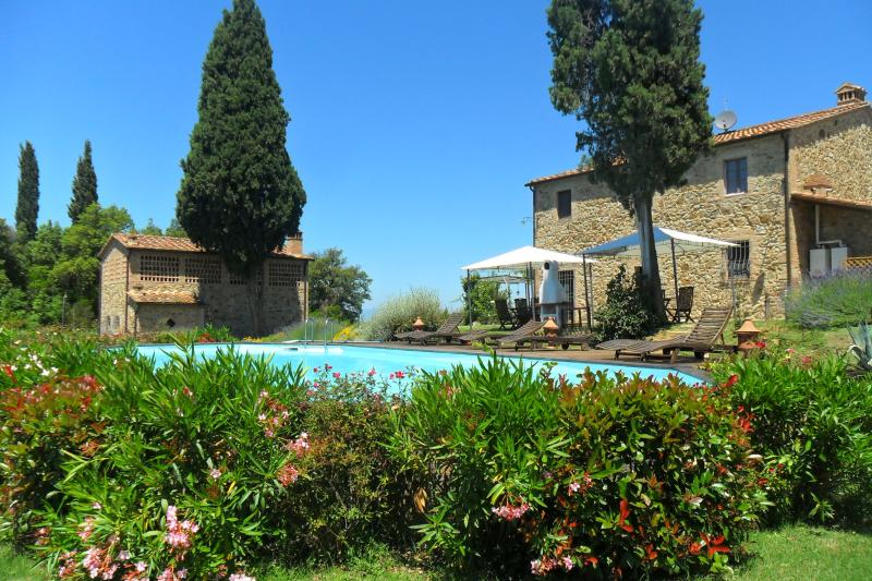I'l Focolare - set in beautiful gardens, with swimming pool and solarium