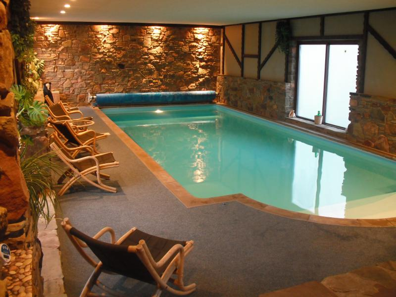 PRIVATE HEATED INDOOR POOL 35FT X 15FT HAS ROMAN END WITH STEPS