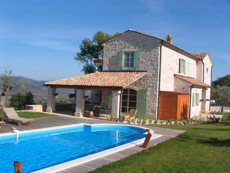 Stunning Farmhouse in 2 acres of private garden , with 50ft pool and amazing views