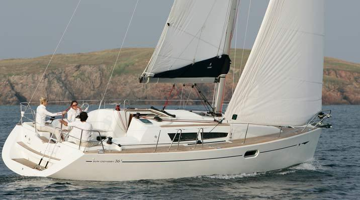 Your static boat holiday is based in the Oeiras Marina, although you can Charter her for a day
