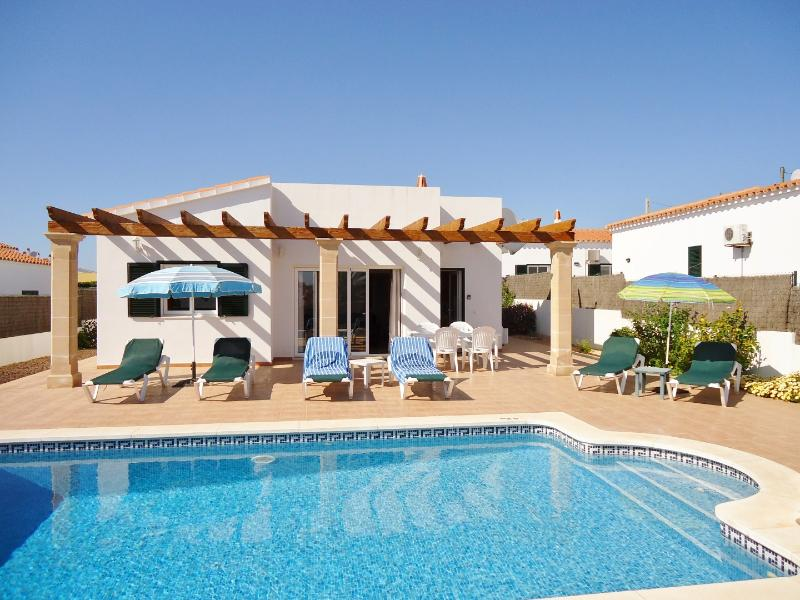Villa Rioja, pool area and sun bathing patio areas