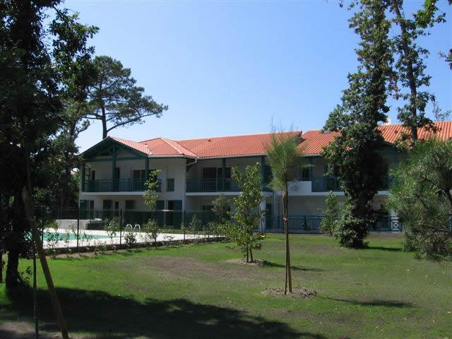 Le Clos de la Chenaie - Residence, Gardens and Swimming Pool 2013