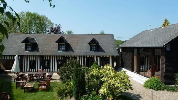 Norman half-timber house, cottage loft and garden for a perfect holiday