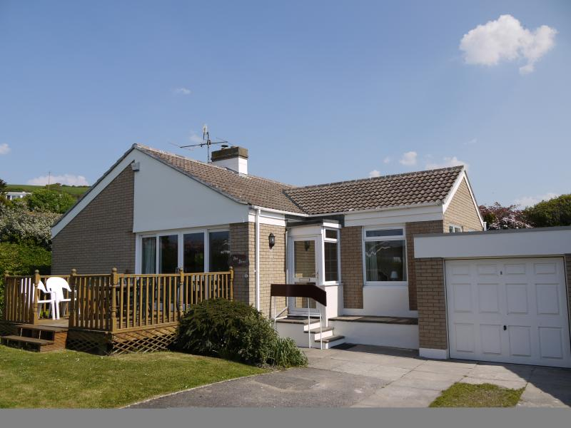 Sea Dunes - a traditional and idyllic Croyde bungalow