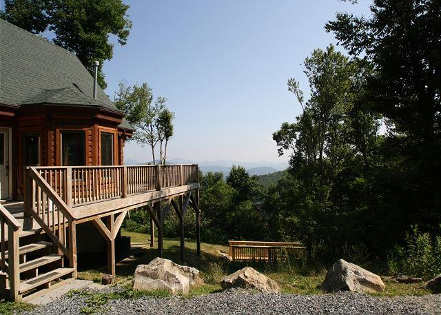 Multi-level log home with natural spring on property, great view, sleeps 10 - Image 1 - Blowing Rock - rentals