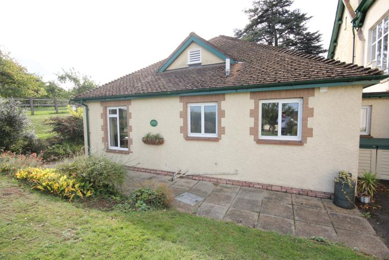 THE BRAMLEYS self catering cottage in the grounds of Cedar House bed and breakfast