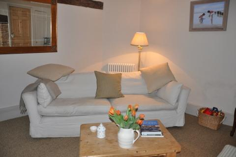 Rye Holiday Cottage, Sitting/Dining room, East Sussex