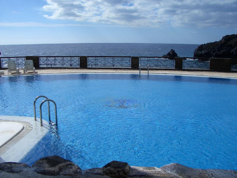 Sea side heated swimming pool.