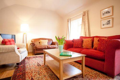 A home from a home with warm furnishing in Kent