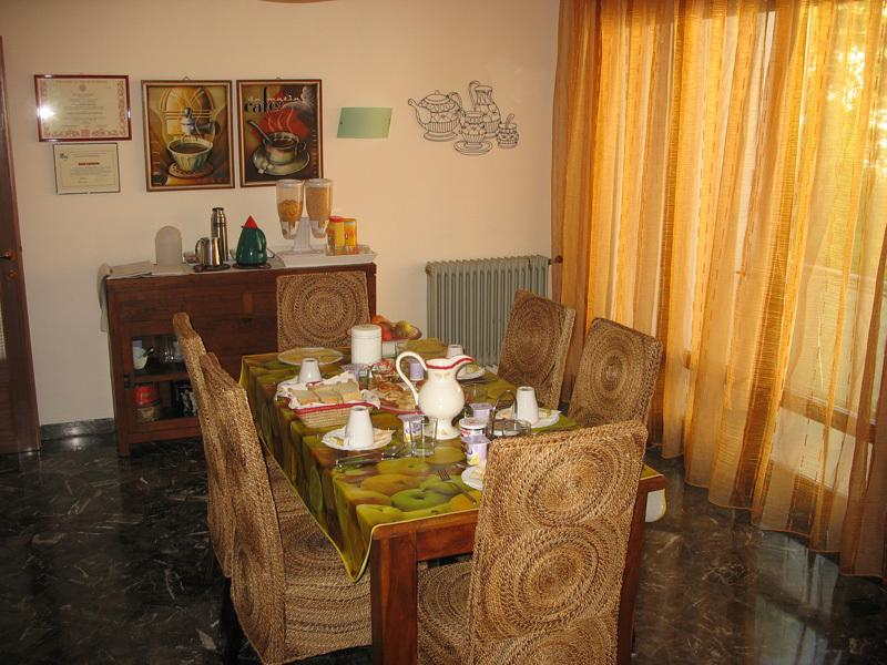 breakfast room: delicious food at your disposal every morning