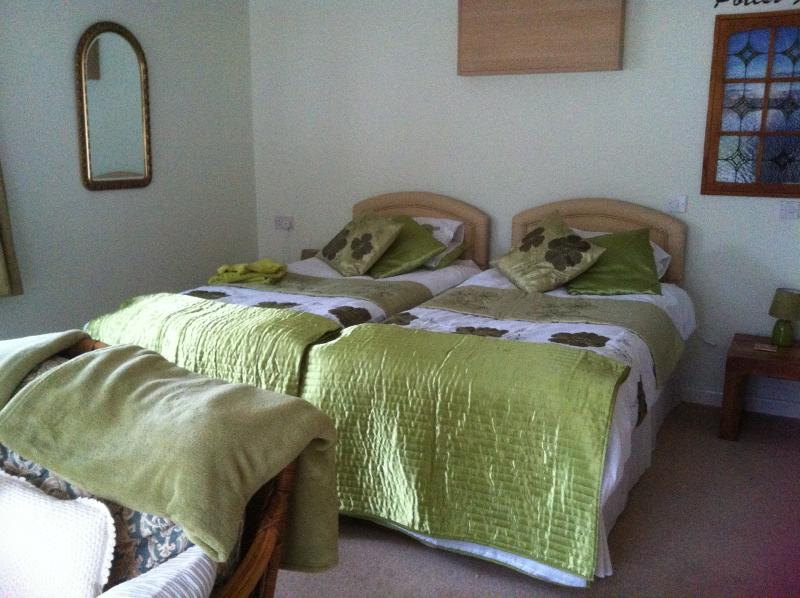 Comfortable 2 bed accommodation, with an option for 1 super king size bed.