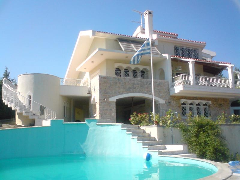 External southern view from the pool