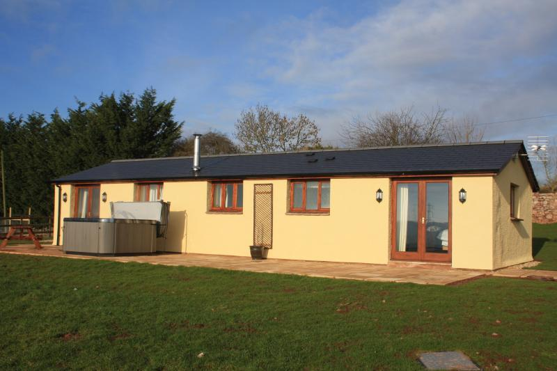 The Byre; Luxury holiday cottage, Somerset