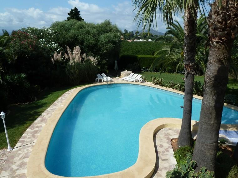 Buscarro's enormous pool in its gorgeous setting