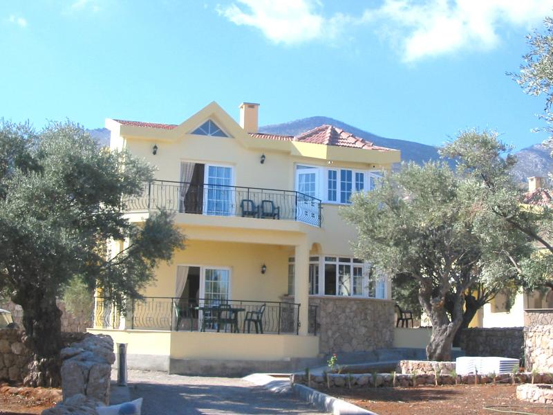 Villa Manzara - set well back from the road, with long paved drive, parking/turning areas & gard