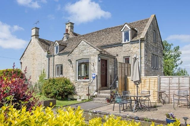 The 4 Star Granary Holiday Cottage, situated in the Gloucestershire Cotswolds.