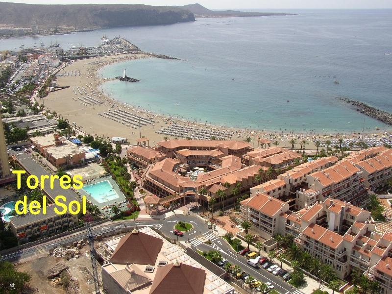 Ariel view of the complex and the Las Vistas Beach.