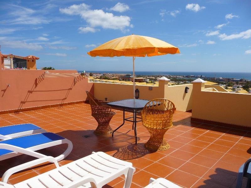 Very Large roof terrace with panoramic views to the Sea.