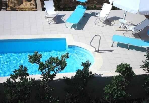 jacuzzi pool with water jet massage