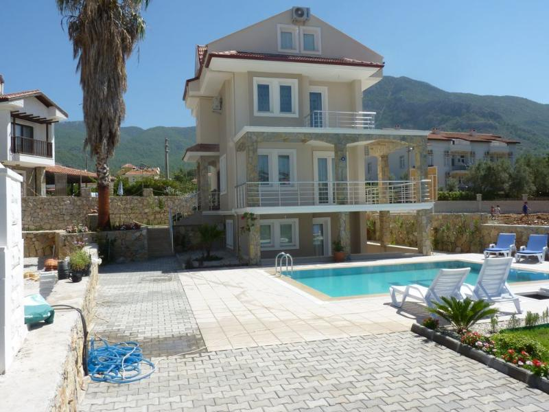 VILLA WITH MAGNIFICENT VIEWS OF BABADAG
