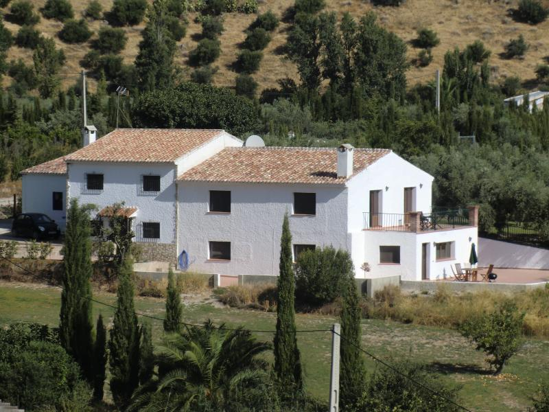 The Property Set In Stunning Countryside - Walking distance to the Village and 20 min to Ronda City