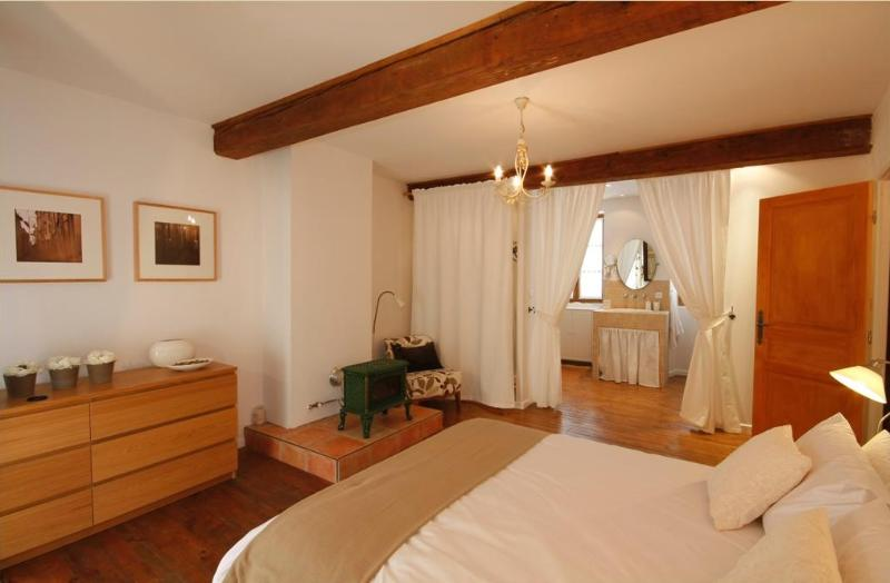 Snuggle up in the cosy bedroom on the first floor