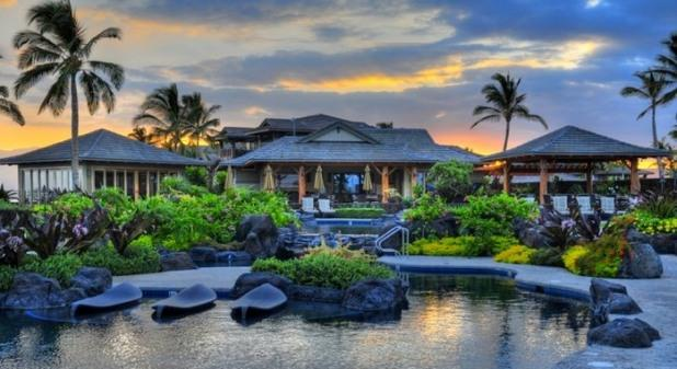 Enjoy Paradise at Hali'i Kai