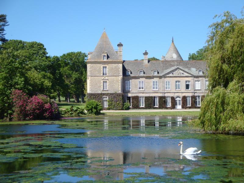 Welcome to the Pavillon of the Chateau de Tocqueville