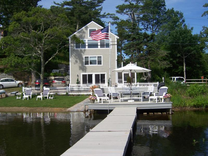 Great Escape At Waters Edge Waterfront on Great  Herring Pond, Plymouth, MA Sun,Swim, Relax Perfect!