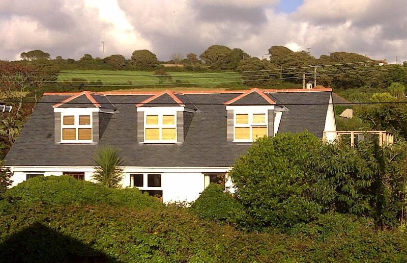 Gwern Cottage Overlooking Mounts Bay and Nature Reserve