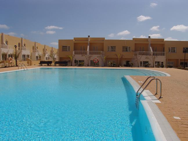 Swimming pool and complex - pristine condition