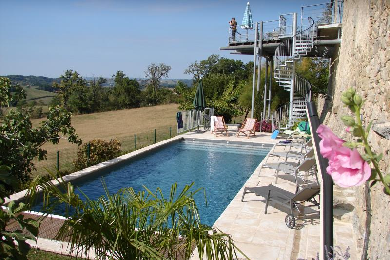 11x 4 meter pool, on the sout side, sunny from morning to evening, facing the valley, total privacy.