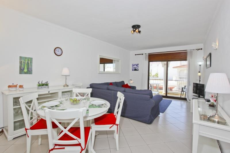 One of the two spacious apartments in lovely Carvoeiro. Aircon, WiFi, terrace, TV, DVD