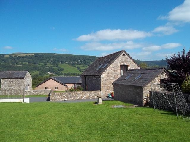 Courtyard Cottage at Hopyard Farm, Abergavenny