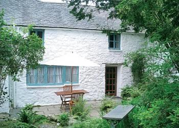 The Farmhouse with patio and private garden